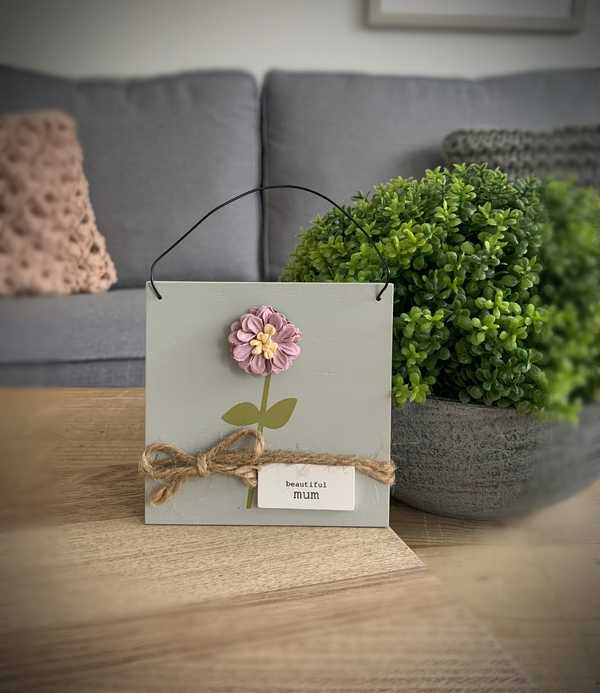 Beautiful Mum Flower Plaque